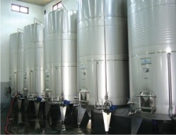 Stainless steel tanks 3